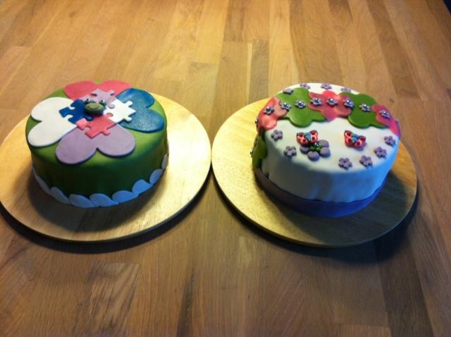 Tah-dah! Two kids cakes