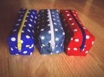 Contrasting zippers