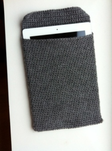 IPad sleeve corcheted